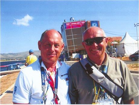 Tréneri Blaho a Soós v objatí na OH Atény 2004. Sme dokonale zohratí, hovorí o ich vzájomnej spolupráci Pavel Blaho. Foto: archív P.B.