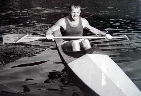 Ján Matocha na vode vo svojej najlepšej sezóne, ale pozor na vodu sa chystá aj tento rok ako 82-ročný. Foto: archív J.M.