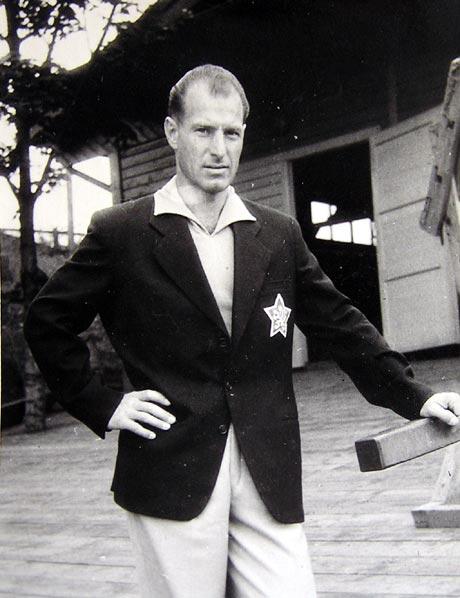 Reprezentant Ján Matocha pred odchodom na OH 1948. Foto: archív J.M.